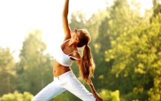 Мне нечего одеть на йогу — что делать? Как одеться на занятие йогой.