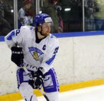 Лео комаров хоккеист где играет. Лео Комаров: биография, жена, инстаграм, состояние