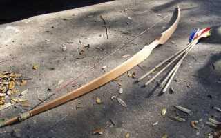 Как сделать сильный лук из бумаги. Лук и стрелы из вешалки