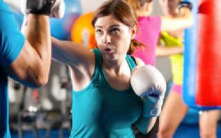 Кикбоксинг для девушек — польза и противопоказания, приемы и удары для начинающих с видео. Жиросжигающая тренировка по кикбоксингу