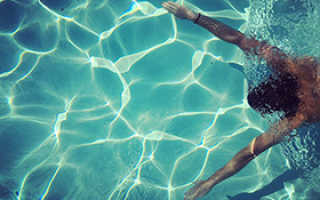 Плюсы плавания в бассейне. Некоторые минусы при посещении бассейна