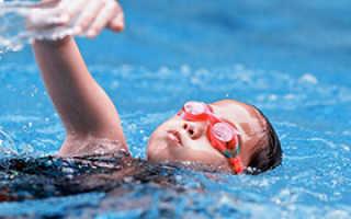 Плюсы и минусы посещения бассейна детьми зимой. В бассейн с ребенком зимой: стоит ли рисковать