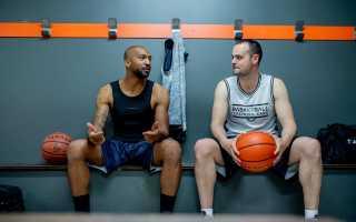 Правила игры баскетбол. Сколько всего игроков в баскетбольной команде